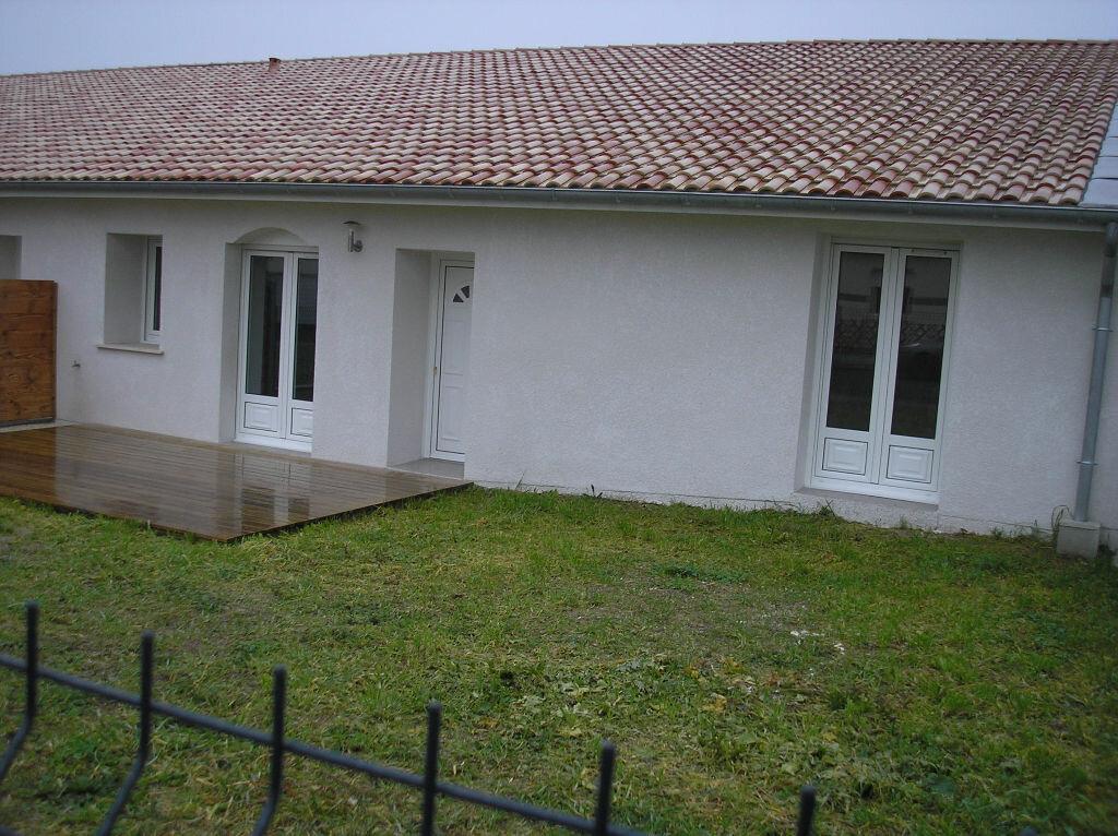 Maison à louer 4 98m2 à Ludon-Médoc vignette-1