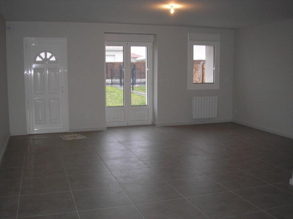 Maison à louer 4 98m2 à Ludon-Médoc vignette-2