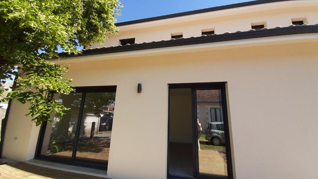 Maison à vendre 4 105m2 à Gujan-Mestras vignette-1