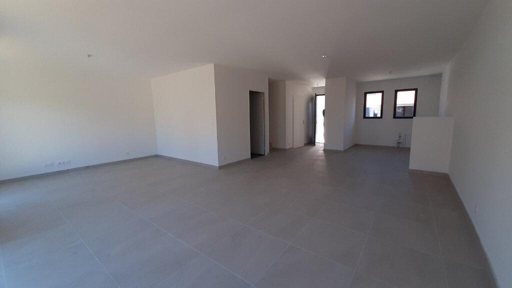 Maison à vendre 4 105m2 à Gujan-Mestras vignette-4