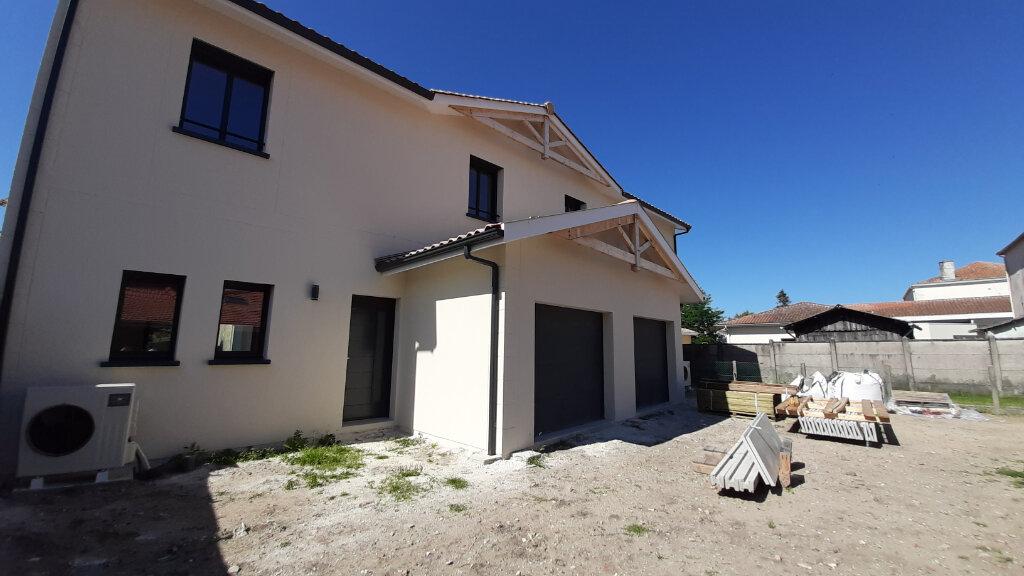 Maison à vendre 4 105m2 à Gujan-Mestras vignette-5
