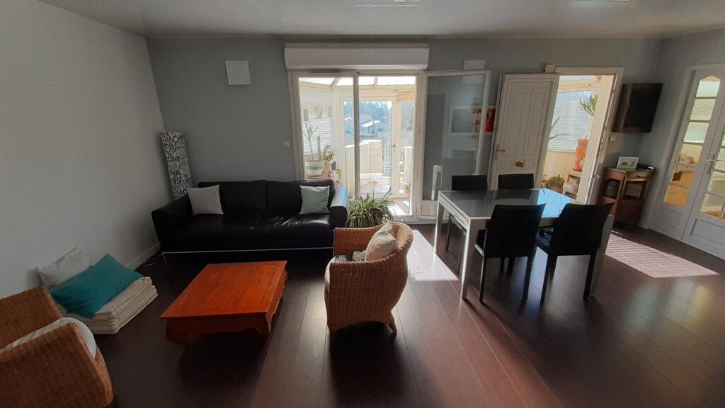 Appartement à vendre 3 63.8m2 à Floirac vignette-1