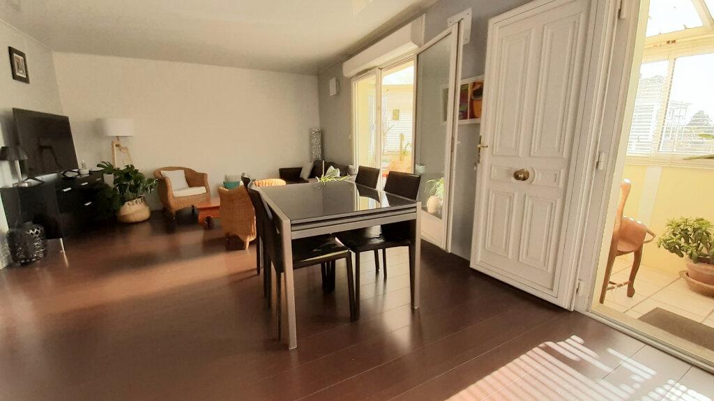 Appartement à vendre 3 63.8m2 à Floirac vignette-2