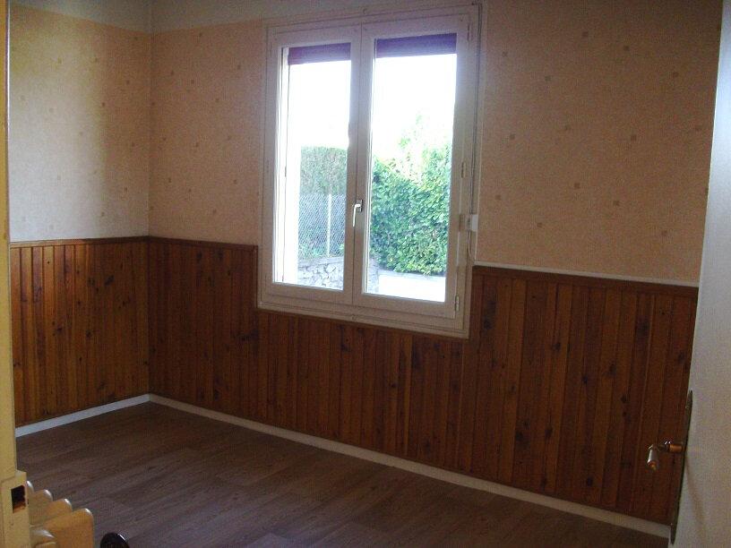 Appartement à louer 3 50m2 à Aurillac vignette-6
