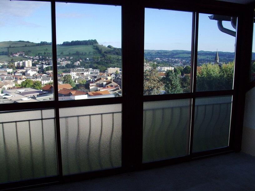 Appartement à louer 3 50m2 à Aurillac vignette-8
