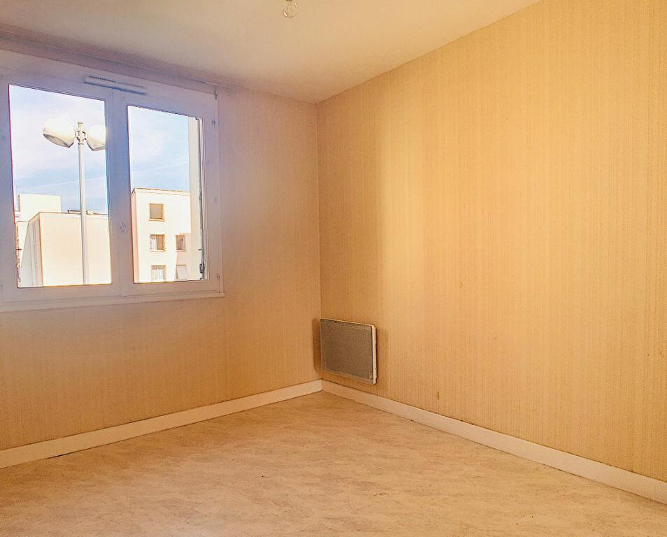 Appartement à louer 4 72m2 à Aurillac vignette-5