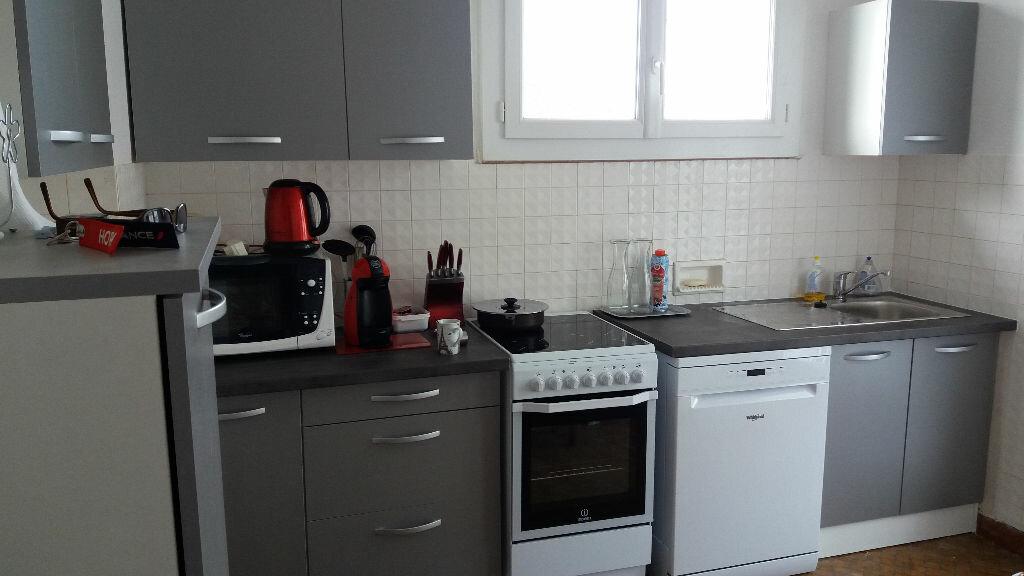 Maison à louer 5 98.82m2 à Saint-Paul-des-Landes vignette-3
