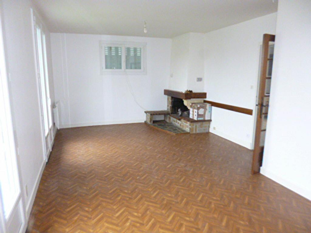 Maison à louer 5 98.82m2 à Saint-Paul-des-Landes vignette-6