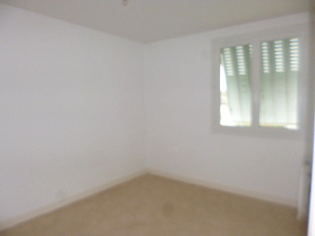 Maison à louer 5 98.82m2 à Saint-Paul-des-Landes vignette-7