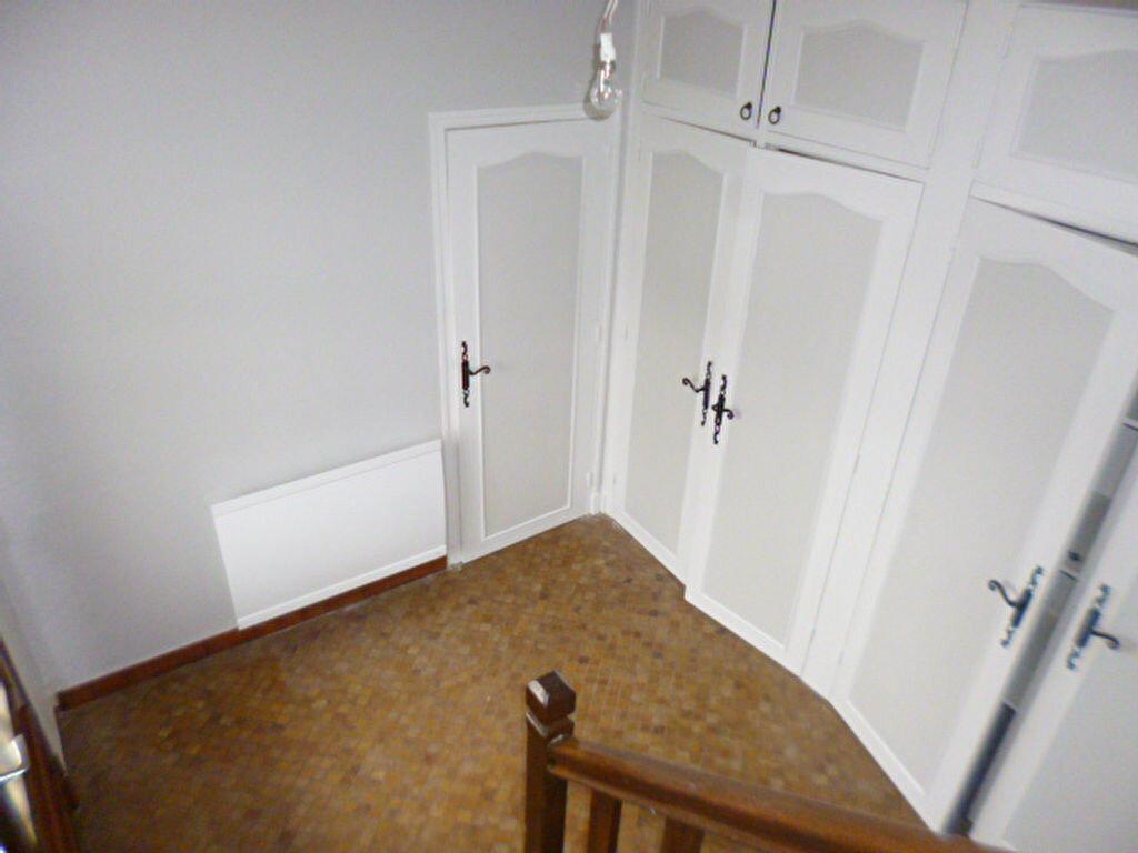 Maison à louer 5 98.82m2 à Saint-Paul-des-Landes vignette-8