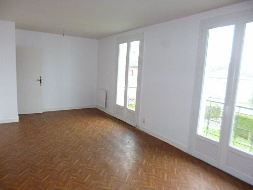 Maison à louer 5 98.82m2 à Saint-Paul-des-Landes vignette-9