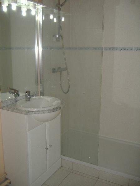 Appartement à louer 2 48.75m2 à Aurillac vignette-3