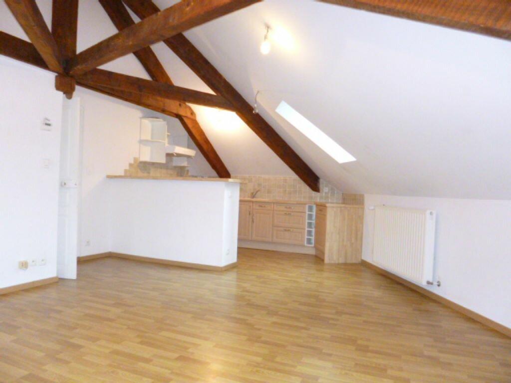 Appartement à louer 3 80m2 à Aurillac vignette-1