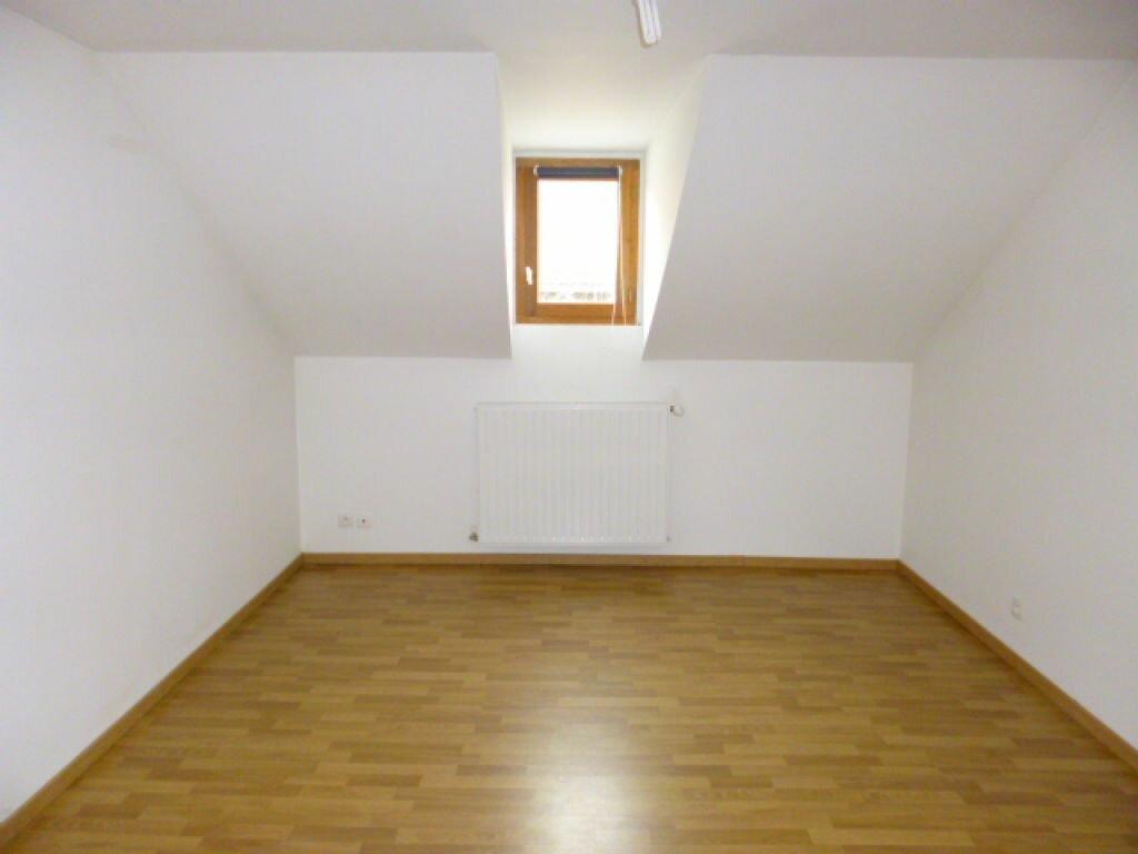 Appartement à louer 3 80m2 à Aurillac vignette-3