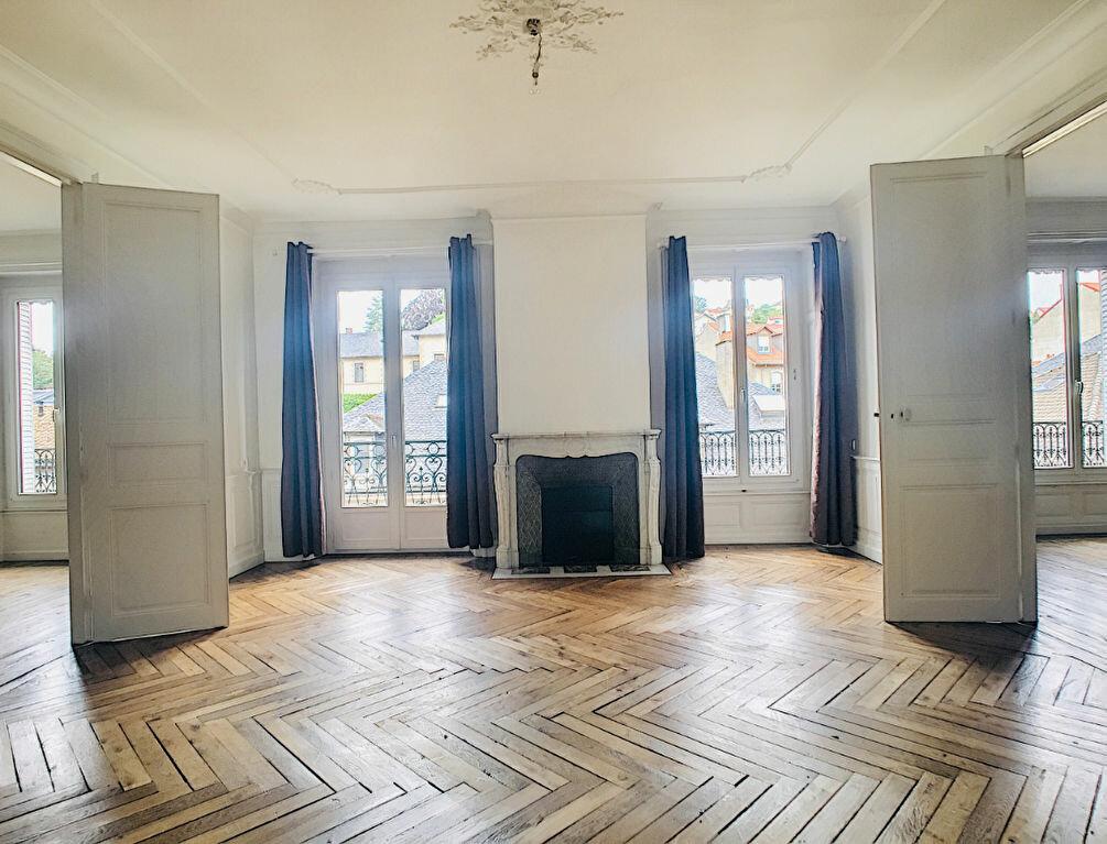 Appartement à louer 5 169.14m2 à Aurillac vignette-4