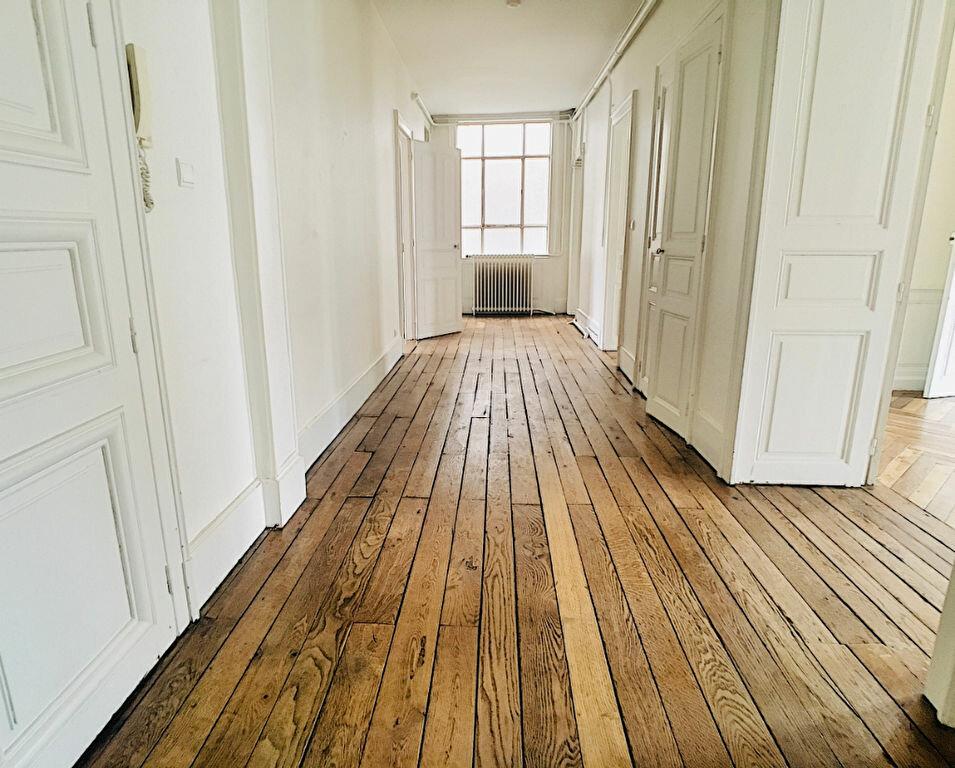 Appartement à louer 5 169.14m2 à Aurillac vignette-5