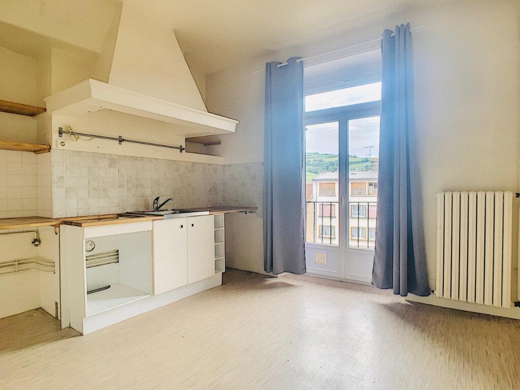 Appartement à louer 5 169.14m2 à Aurillac vignette-11