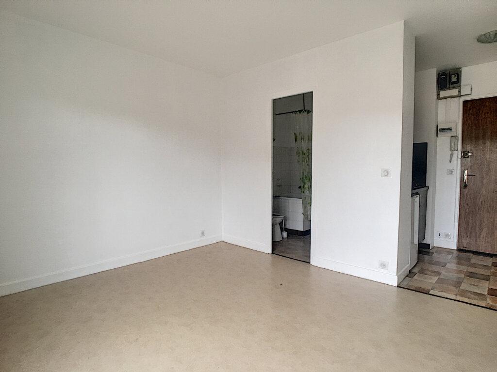 Appartement à louer 1 18m2 à Aurillac vignette-4