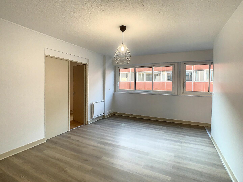 Appartement à louer 2 41m2 à Aurillac vignette-4
