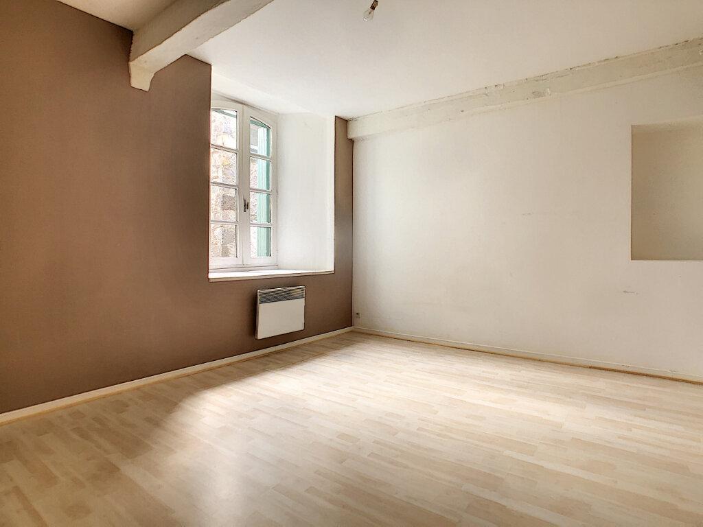 Appartement à louer 2 50m2 à Aurillac vignette-4