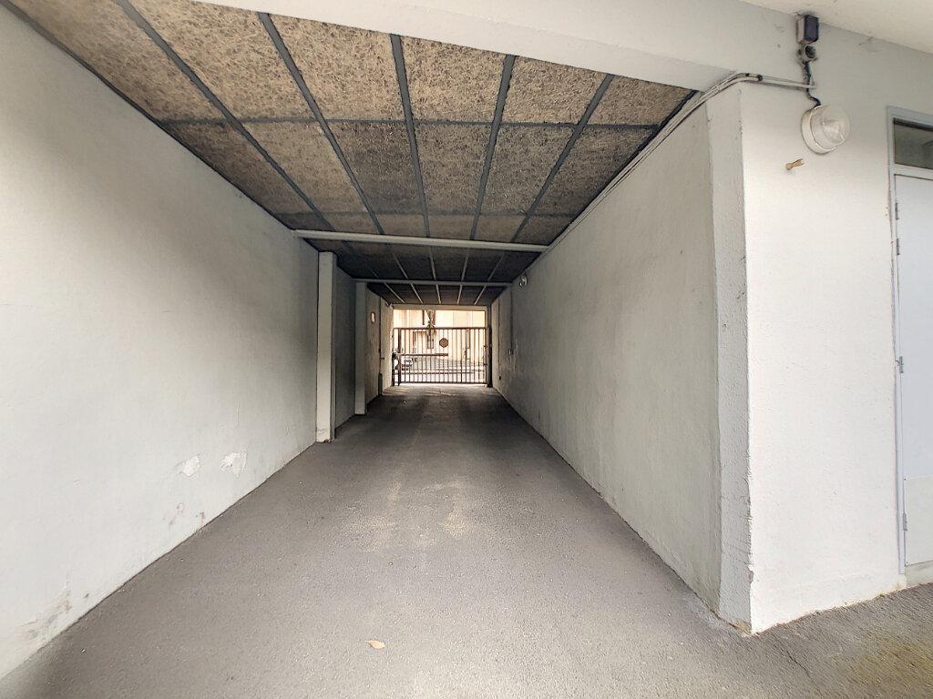 Stationnement à louer 0 0m2 à Aurillac vignette-5