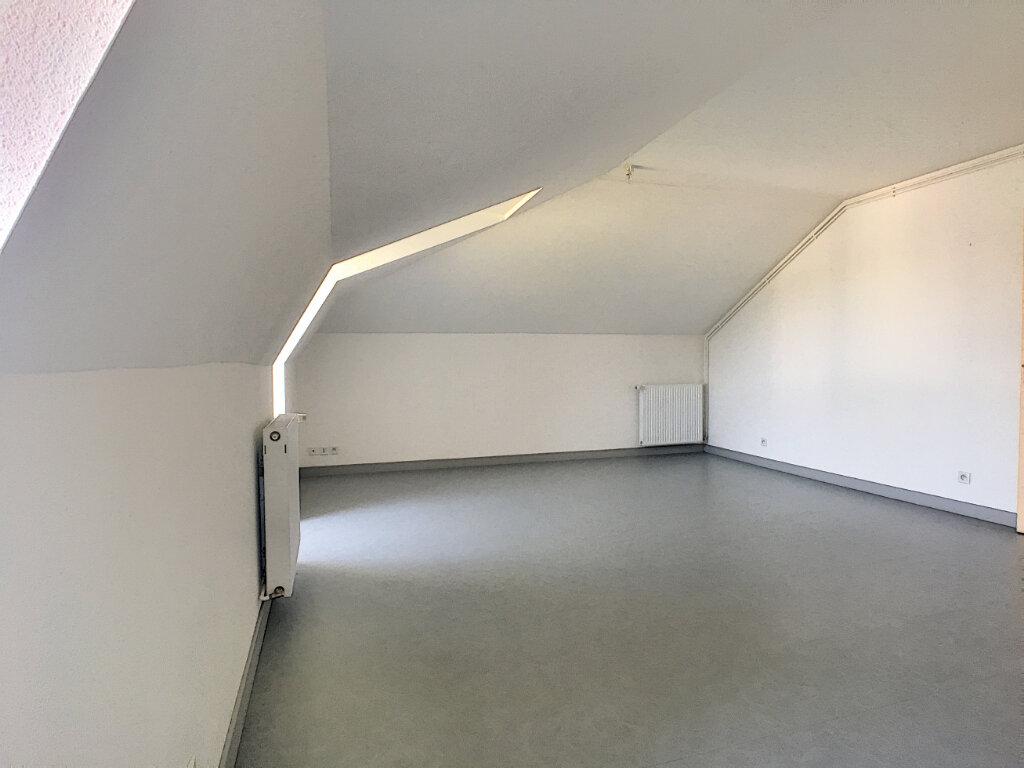 Appartement à louer 3 55m2 à Jussac vignette-4