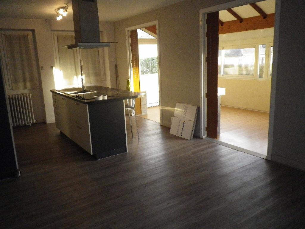 Maison à louer 5 113m2 à Aurillac vignette-2
