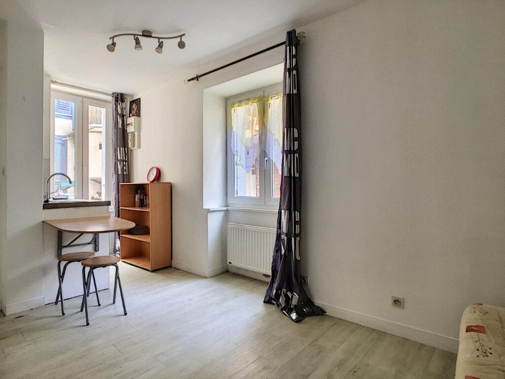 Appartement à louer 1 15.07m2 à Aurillac vignette-1