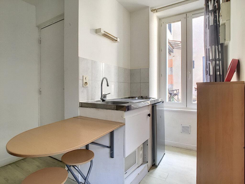 Appartement à louer 1 15.07m2 à Aurillac vignette-2