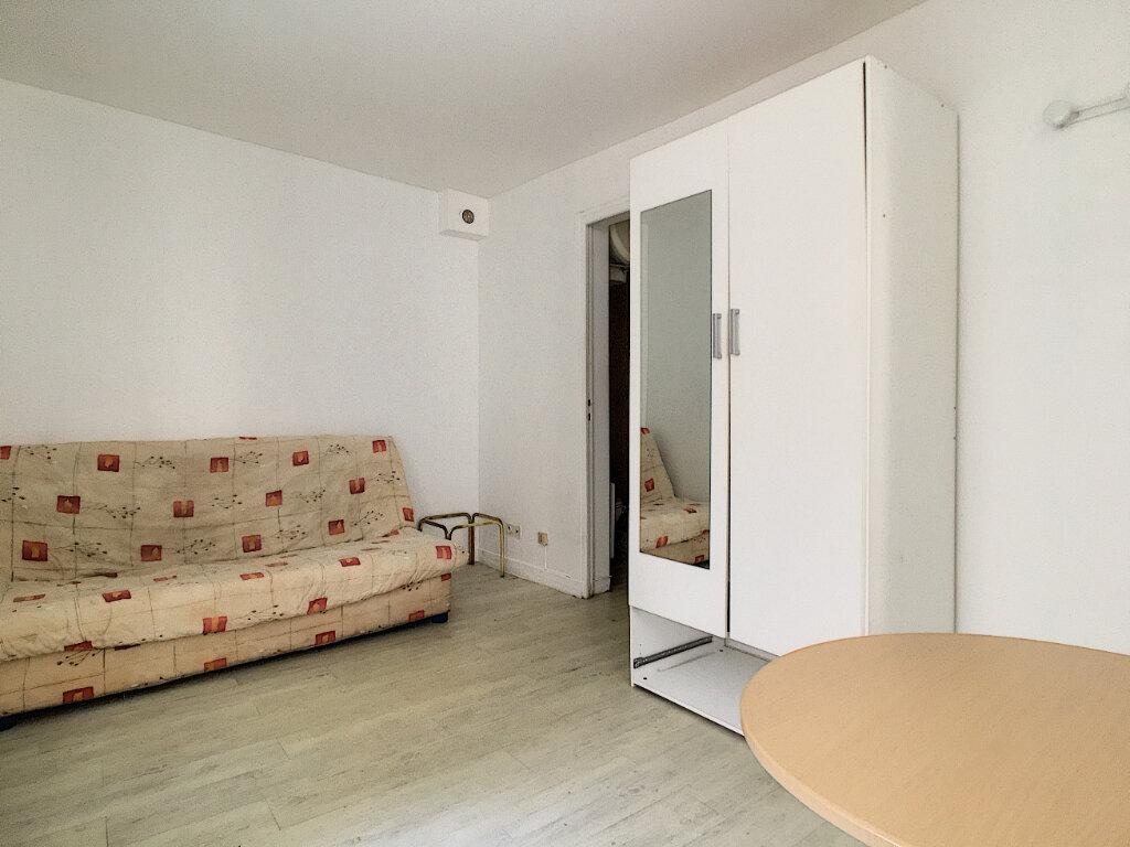 Appartement à louer 1 15.07m2 à Aurillac vignette-3