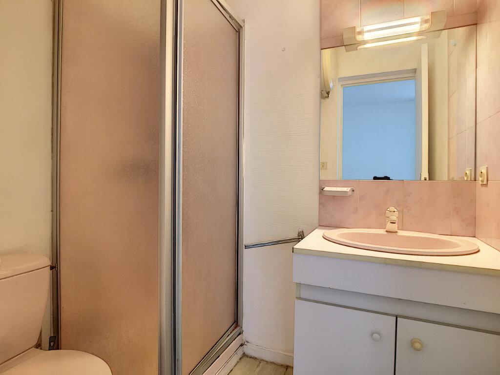 Appartement à louer 1 15.07m2 à Aurillac vignette-4