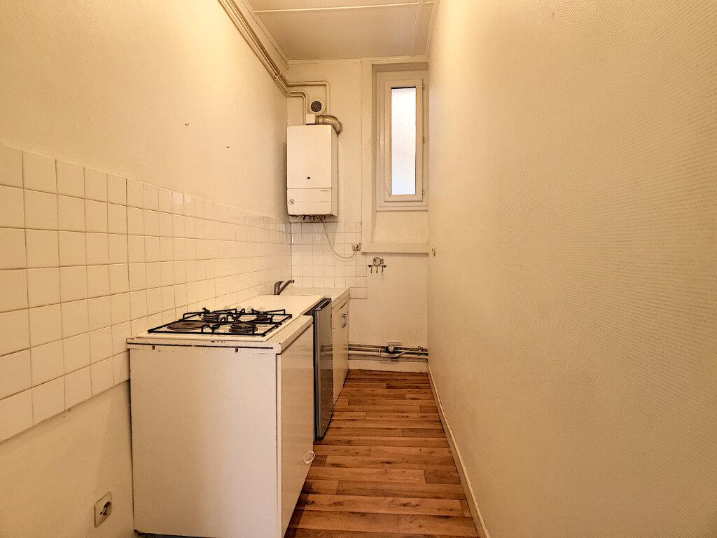 Appartement à louer 1 31m2 à Aurillac vignette-5