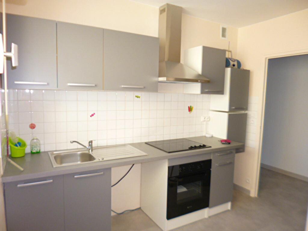 Appartement à louer 2 45.58m2 à Aurillac vignette-1