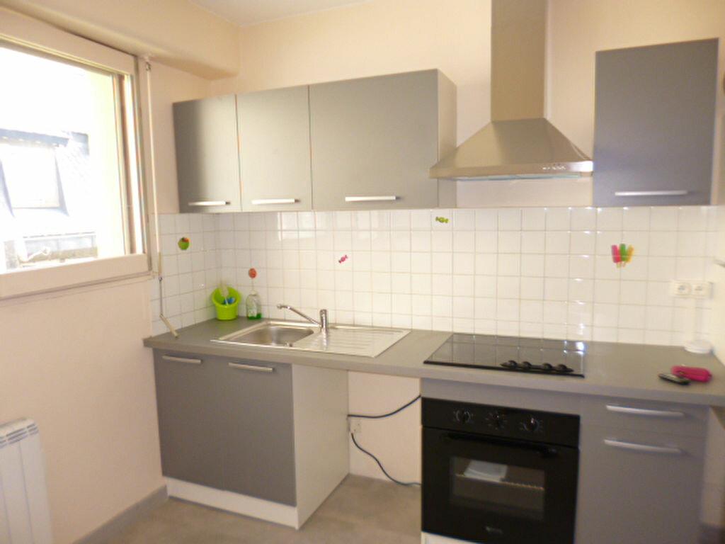 Appartement à louer 2 45.58m2 à Aurillac vignette-2