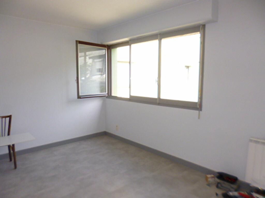 Appartement à louer 2 45.58m2 à Aurillac vignette-4