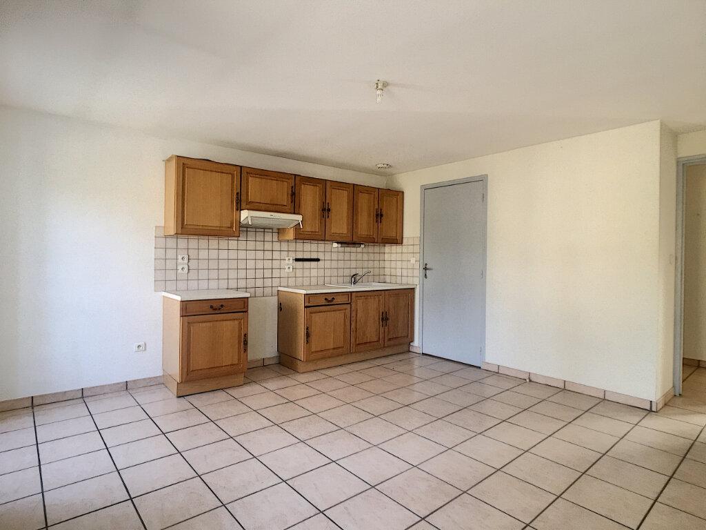 Appartement à louer 2 46m2 à Aurillac vignette-2