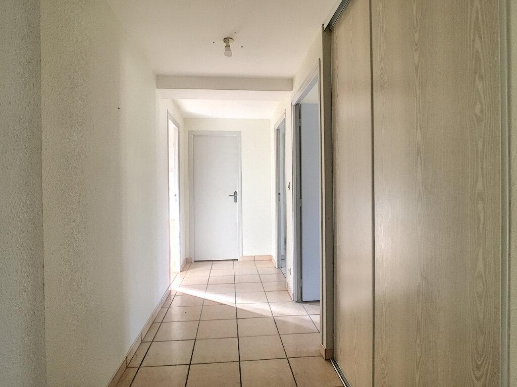 Appartement à louer 2 46m2 à Aurillac vignette-3