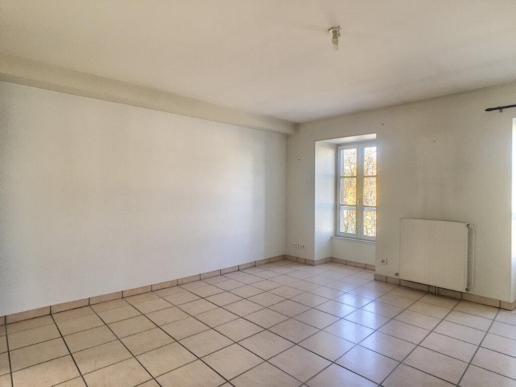 Appartement à louer 2 46m2 à Aurillac vignette-4