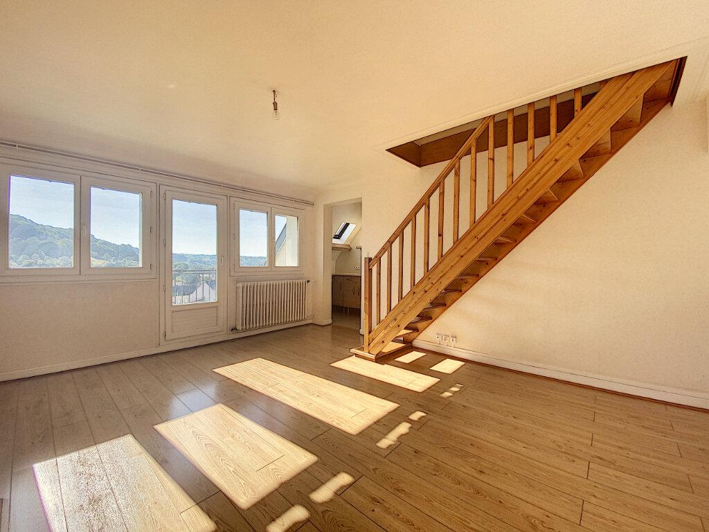 Appartement à louer 5 85m2 à Aurillac vignette-4