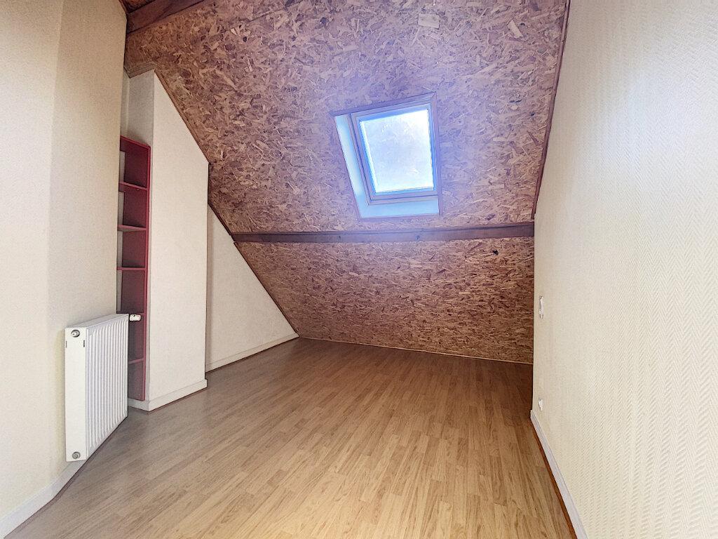 Appartement à louer 5 85m2 à Aurillac vignette-8