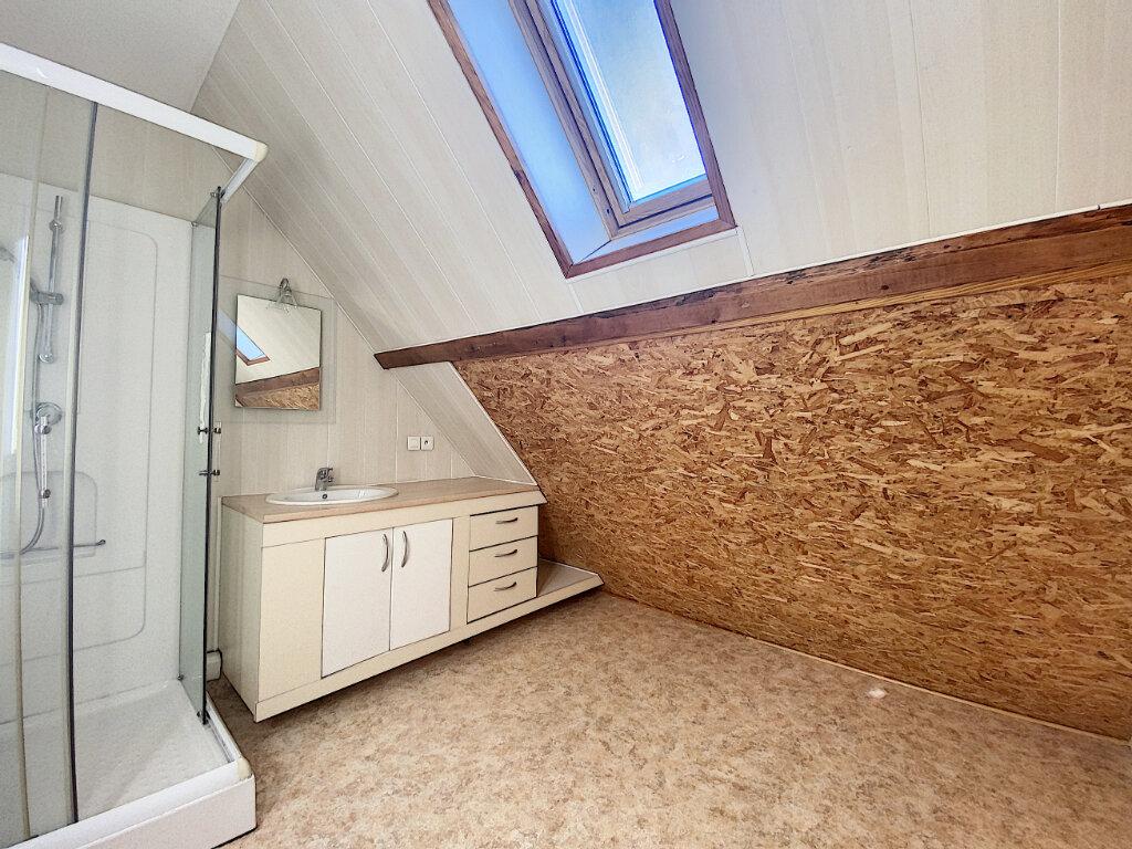 Appartement à louer 5 85m2 à Aurillac vignette-10