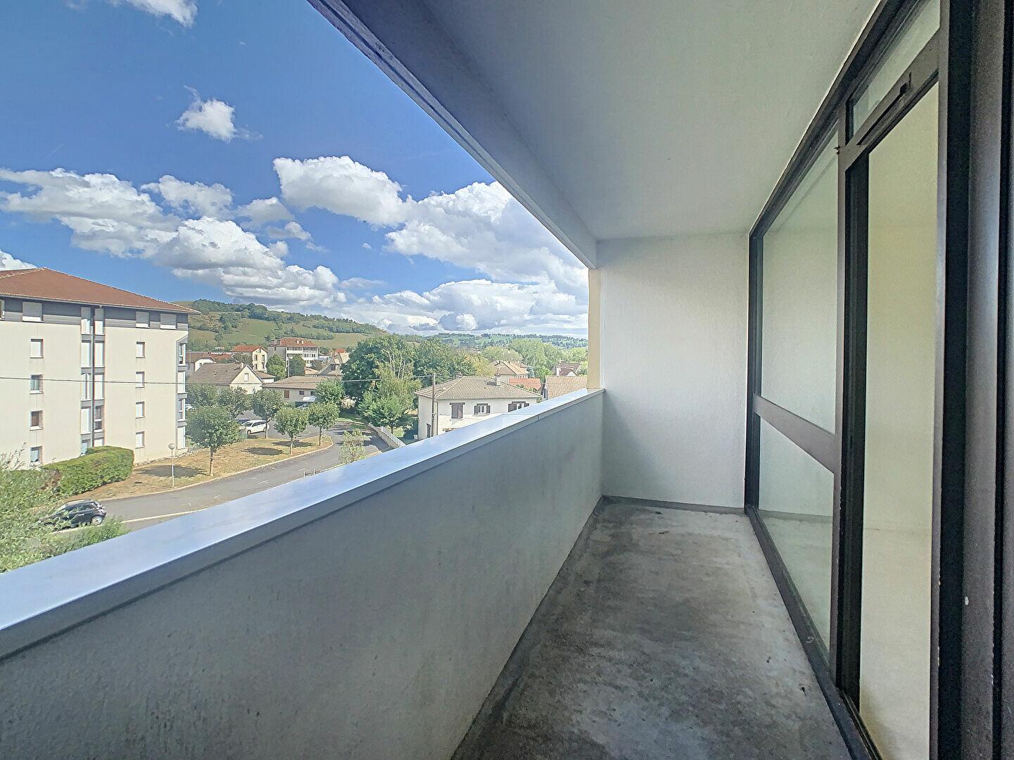 Appartement à louer 3 66m2 à Aurillac vignette-1