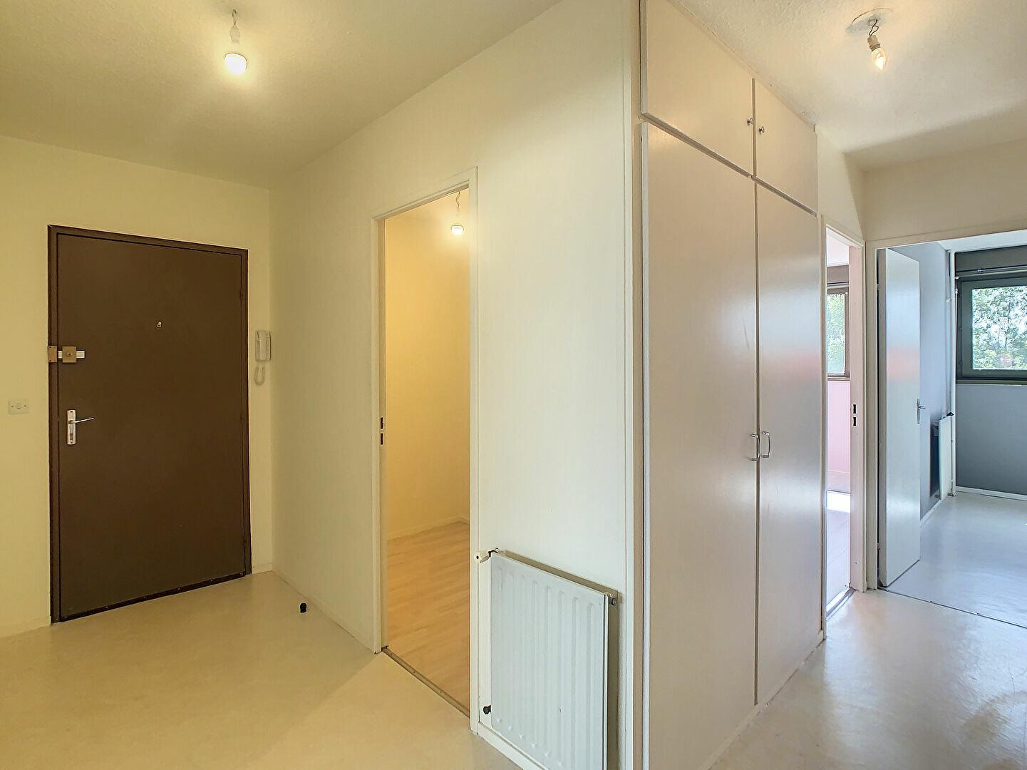 Appartement à louer 3 66m2 à Aurillac vignette-6