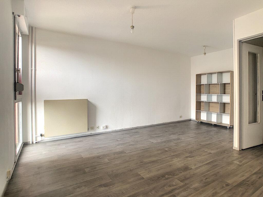 Appartement à louer 1 30.86m2 à Aurillac vignette-2