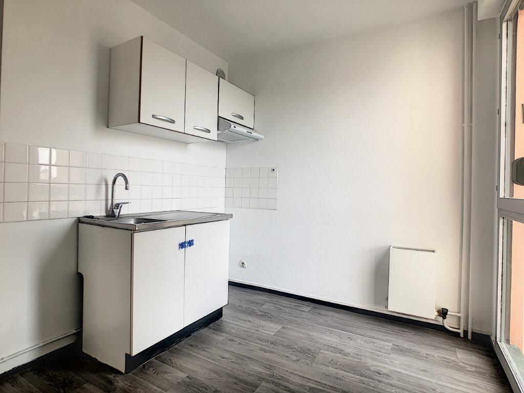 Appartement à louer 1 30.86m2 à Aurillac vignette-3