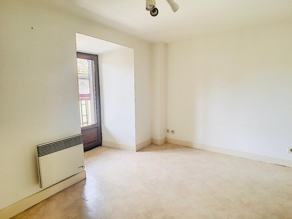 Appartement à louer 2 41m2 à Vic-sur-Cère vignette-5
