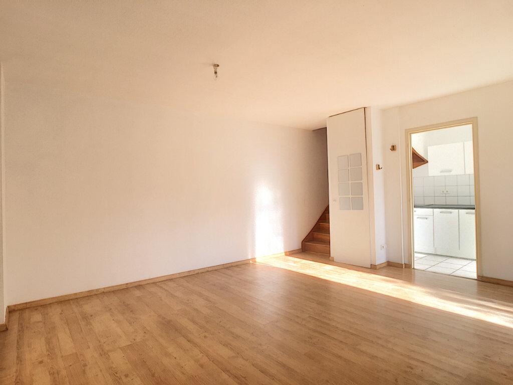 Appartement à louer 4 80m2 à Aurillac vignette-3