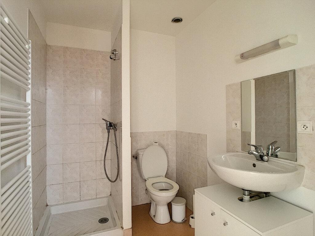 Appartement à louer 4 80m2 à Aurillac vignette-12