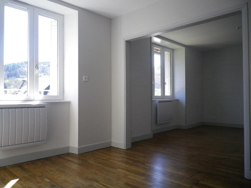 Appartement à louer 3 60.14m2 à Saint-Martin-Valmeroux vignette-7