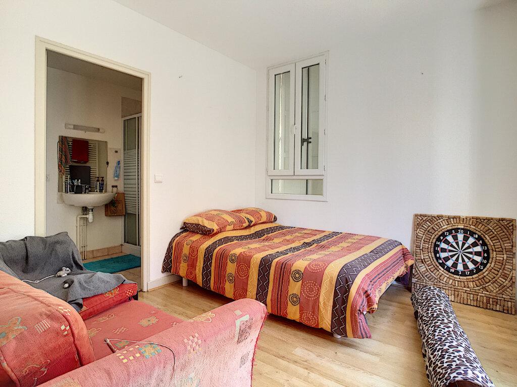 Appartement à louer 4 87m2 à Aurillac vignette-3
